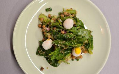 Bowl de pois chiche asperges vertes et épinards