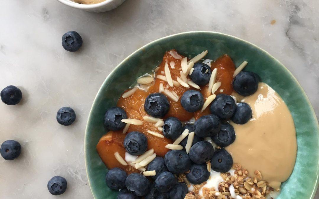 Porridge gourmand au granola et pâte de noix de cajou
